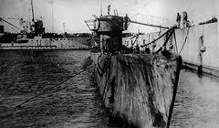 Notez la rouille  qui envahit la coque du U-977
