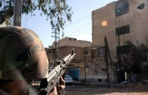 C'est souvent par des températures dépassant les 40 dégrés que les  officiers courageux devaient concentrer leur attention sur cet immeuble ou habitaient les terroristes  d'Al Qaïda.