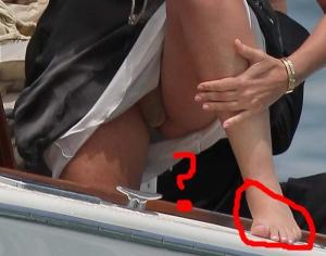 Sharon Stone...vous regardez les pieds,bien sur!