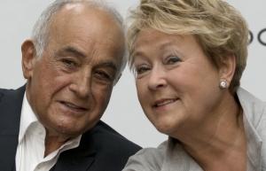 Aldo Bensadoum ,le milliardaire et Pauline Marois,la pauvre première-ministre de la province canadienne de Québec.