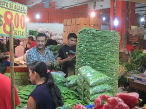 Mercado de frutas y hortalizas procedentes de México gran, gran y maravillosa ciudad.