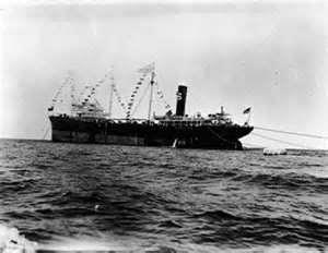 Dès 1939 Exxon prévient les coups et détourne de nombreux pétroliers vers l'Allemagne afin de la ravitailler...au prix fort.