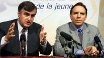 """Ici, François Legault, aidant un premier ministre à faire """"reculer le Québec"""".."""