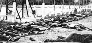 Algérie Sétif et Kherrata 1945 : L'histoire de la seconde guerre mondiale a été faite par les vainqueurs. Lors de la commémoration du 8 mai la France pleure ses morts mais elle oublie la massacre commis par son armée coloniale. Le 8 mai 1945 dans la région de Sétif ce sont 45000 Algériens réclamant leur indépendance pacifiquement qui seront tués.