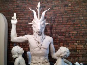 Monument satanique 002