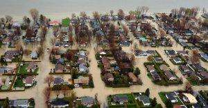 Mai 2011,l'innondation de St-Jean-sur-Richelieu au Québec...et de nombreuses municipalités.