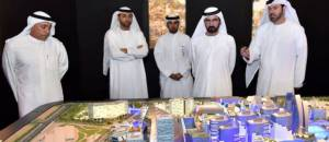 Les vrais Maîtres de Dubaï planifiant un futur chantier.
