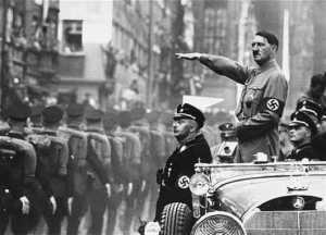 Adolph Hitler...au pouvoir absolu.