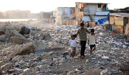 Centre d'étude et de recensement d'informations factuelles sur le N.O.M Le-vrai-bidonville-de-slumdog-millionaire