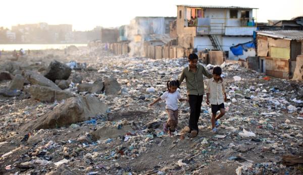 Un état des lieux sans appel qui laisse songeur quant au déséquilibre immense auquel nous devons tous faire face. En 2015, des enfants dorment dans la rue et d'autres n'ont pas accès à l'eau potable tandis qu'il n'y a jamais eu autant de millionnaires et de milliardaires…