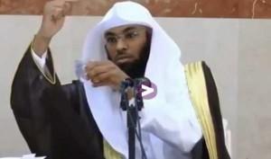religieux-saoudien-terre-ne-tourne-pas-soleil-300x177