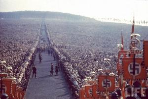En 1934,à Buckeberg,une célébration du parti nazi,en Allemagne.