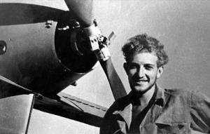 Ezer Weizmann pilote de chasse de la Haganah et futur président isréaélien, ramène pour sa part de vieux Messerschmitt 109 allemands fournis par l'armée tchécoslovaque.