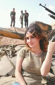 Les femmes ont des droits égaux dans l'armée du président Assad.