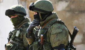 Les soldats russes bien équipés se déploient rapidement.