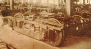 1914-montage de locomotives et de wagons dans une entreprise américaine.