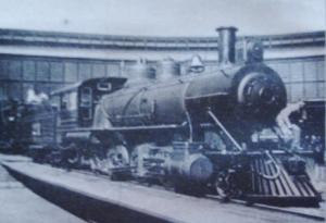 1914-Une locomotive du dernier modèle du jour sortie tout droit de ses ateliers...aux USA.