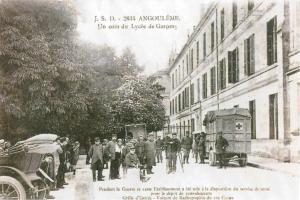 Carte postale  allemande montrant des prisonniers français divers  bilingue
