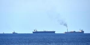 oil_tankers_at_sea