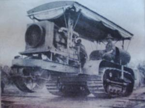 Première Guerre Mondiale-un puissant  buldozer venant du génie de l'US Army.
