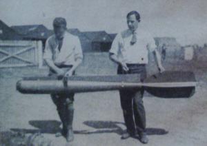 Première Guerre mondiale-La fameuse torpille aérienne conçue pour abattre les dirigeables Zeppelins...telle que décrite sur la photo précédente. Il s'agit d'un document ultrat-secret non-déclassifié de l'US Army.Je risque la prison?:)