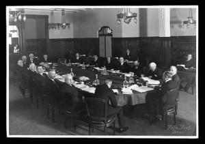 Première réunion discrète de la Banque de Règlements Internationaux...en avril 1930.