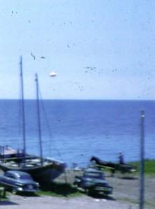 Le 25 juillet 1952,cet ovni fut photographié au-dessus de Portsmouth,Massachusetts.