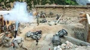 Ordre de capturer les leaders talibans   WikiLeaks révèle également que, sous l'administration Bush, plusieurs unités spéciales étaient chargées de capturer des dizaines de leaders talibans, morts ou vifs, sans aucune forme de procès. L'arrivée d'Obama au pouvoir a mis fin à ces missions.