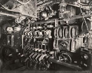 uboat-interieur-controles électriques -sousmarin-21