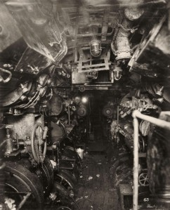 uboat-interieur-controles-sousmarin-02-743x920