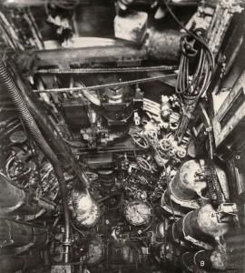 uboat-interieur-controles-sousmarin-07