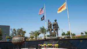 La vérité sur le Vietnam en pourcentage   Un mémorandum du secrétaire adjoint à la Défense adressé au secrétaire à la Défense McNamara (extrait des Pentagone Papers), en dit long : « Nous sommes au Vietnam à 10 % pour aider les Sud-Vietnamiens, à 20 % pour contenir les Chinois et à 70 % pour sauver la face ».