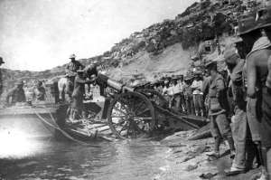 En 1915, un bataillon de 267 hommes défendait les positions françaises et anglaises contre les Allemands dans la mer Noire, sur la presqu'île des Dardanelles. Un contingent britannique l'observa de loin, alors qu'ils allaient prêter main-forte à un corps d'armée néo-zélandais. Ils virent descendre un gros nuage sur le bataillon et, lorsque le nuage se leva, les 267 hommes avaient disparu.