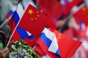 La Russie est devenue le principal allié de la Chine communiste.