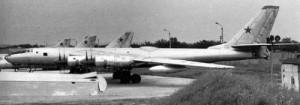 Le Tupolev TU-95LAL était un bombardier conçu par l'Union soviétique en 1961. Le bombardier était propulsé par un réacteur VVRL-100. Le TU-95 était un prototype d'avion destiné à tester la viabilité des avions à propulsion nucléaire. Après une quarantaine de vols d'essai, le projet fut abandonné pour différentes raisons de sécurité.
