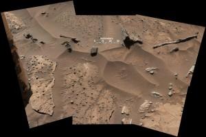 Curiosity prend une macro du sol...On dirait même qu'il y a quelque chose de géodésique en dessous.