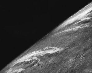 La première photo de la Terre prise de l'espace par une fusée V-2.