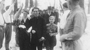 Lors du mariage de Joseph Goebbels  avec Magda,en 1931,celui-ci le Führer Adolph Hitler comme répondant.