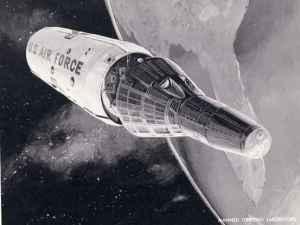 Laboratoire américain Manned Orbiting Le Orbiting Laboratory Manned (MOL) était un projet US Air Force que, malgré jamais lancer un astronaute, a eu une vie mouvementée 1963-1969 (les années du programme d'activité). Certaines des étapes du projet a vu la sélection inclus 17 astronautes, la création d'un site de lancement à Vandenberg Air Force Base en Californie et modifiant le vaisseau spatial de la NASA Gemini pour accueillir le nouveau programme. L' un des principaux objectifs du programme était de reconnaissance, sous un nom de code du projet Dorian. Le système de caméra a été conçu pour obtenir des photographies de l'Union soviétique, entre autres points chauds, avec une résolution meilleure que tout satellite de son temps aurait pu atteindre. MOL aurait également pu porté missiles (non nucléaire, mais quelque chose pour provoquer une peur) et des filets pour attraper vaisseaux ennemis. Beaucoup de nouveaux détails ont été dévoilés à la fin de 2015 avec la sortie de plus de 20.000 pages de documents MOL. Le programme a été annulé après que les coûts estimés gonflé. (MOL devait coûter plus de 3 milliards $ en dollars de la journée, avec 1,3 milliard $ déjà dépensés, au moment de l'annulation.) Certains des soi-astronautes MOL, tels que Bob Crippen et Richard Truly, transféré à la NASA pour les premiers vols de la navette spatiale.