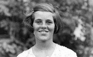 Rosemary Kennedy, la fille aînée du Kennedy, a souvent été soupçonné d'avoir été intellectuellement désactivé en raison de ses sautes d'humeur sévères. Son père inquiet qu'elle porterait atteinte à la réputation de la famille Kennedy, donc il a arrangé pour elle de subir une lobotomie. Tragiquement, la procédure a quitté son incapable de marcher ou de parler et elle était institutionnalisée jusqu'à sa mort en 2005.